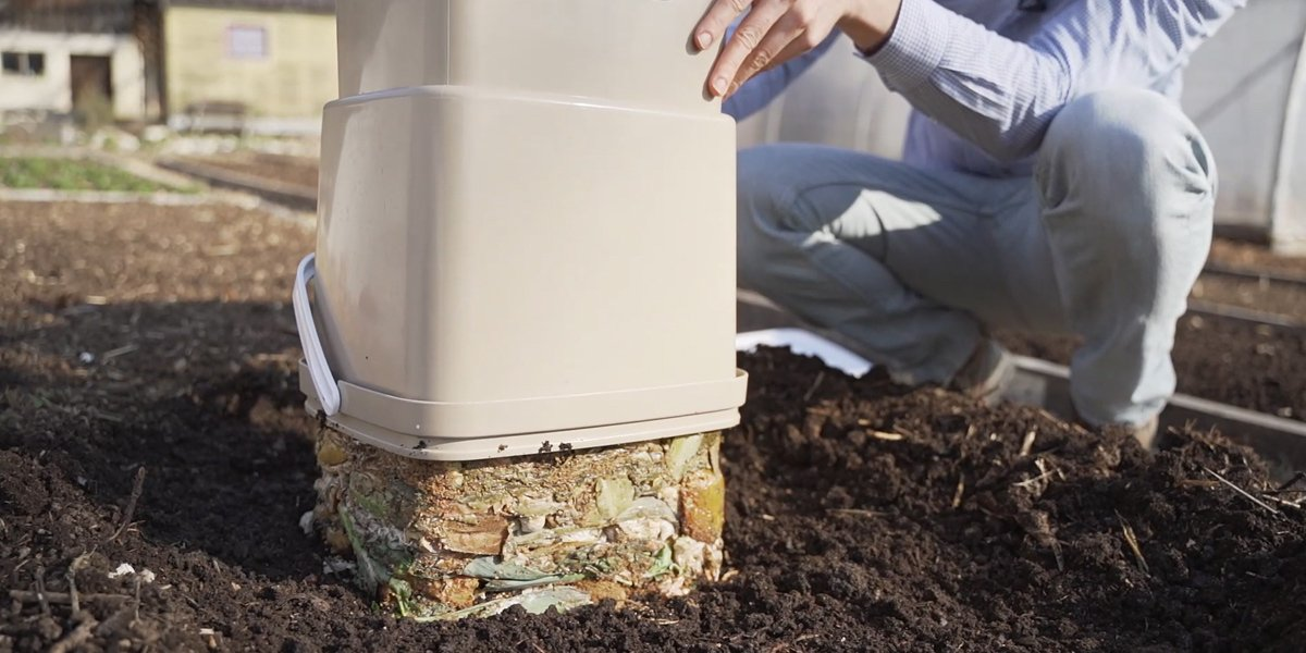 Compost your food leftovers and get first-class compost base