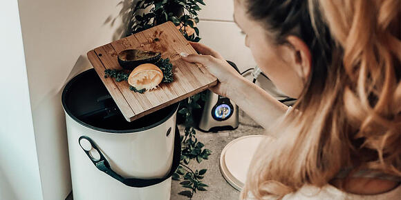 Indoor composting - a simple way for responsible bio-waste management at home