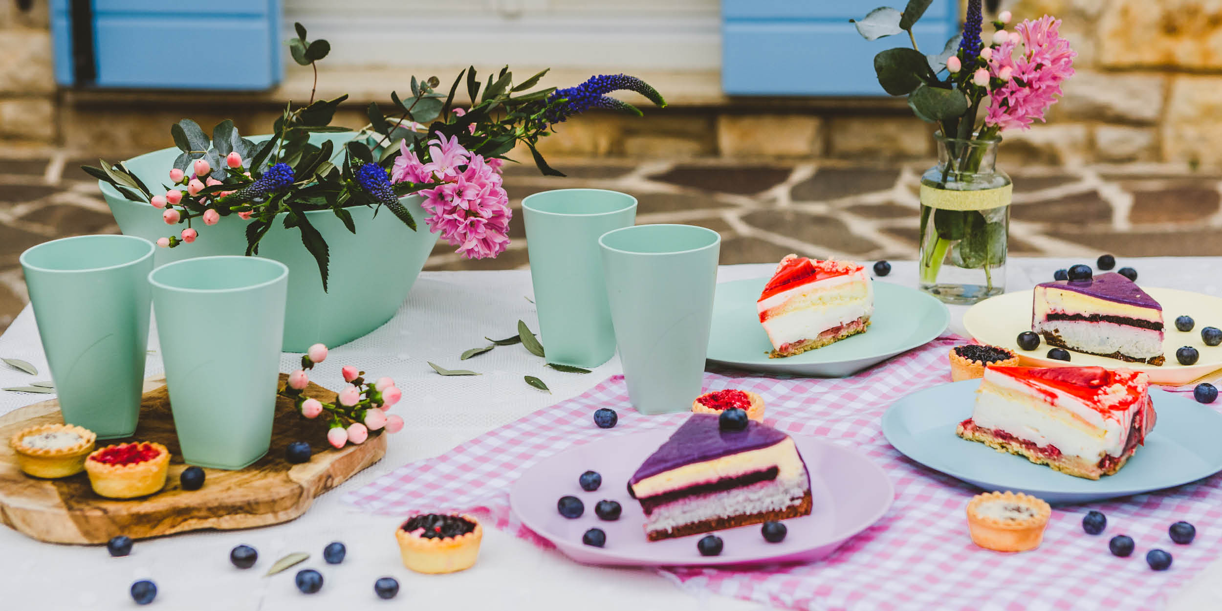 Introduce tableware from sustainable material, such as the popular Viva 2 line