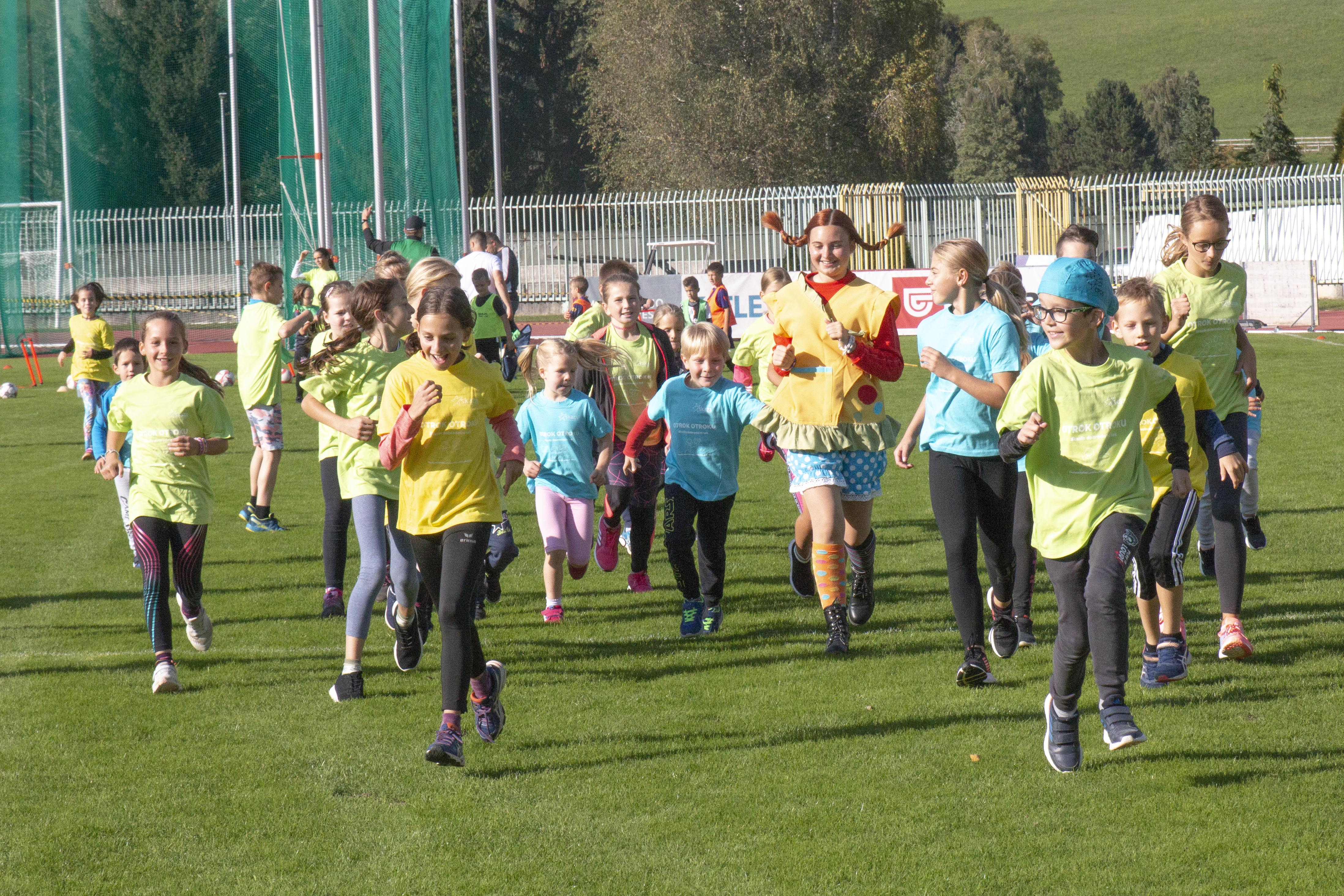 Kids running for other kids at the charity run