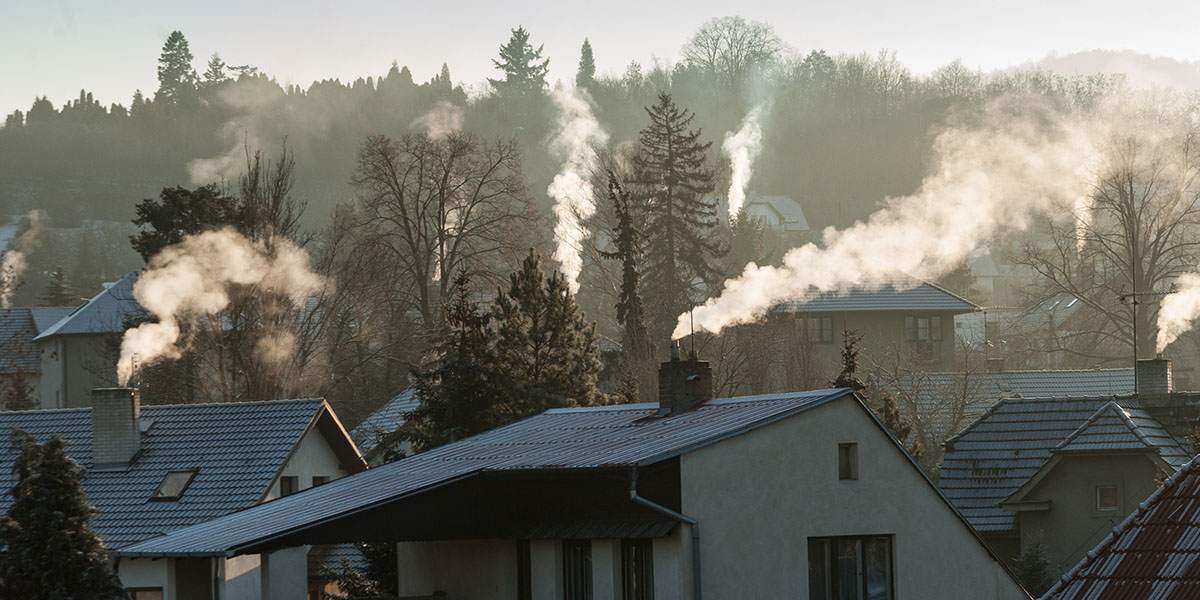 What adds up to the amount of personal CO2 in a household